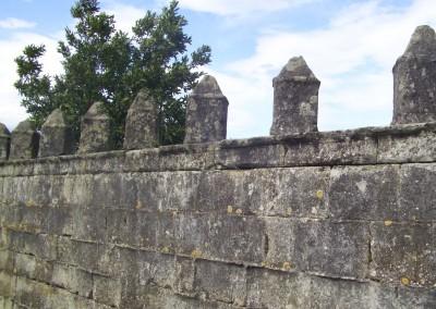 Detalle muro almenado